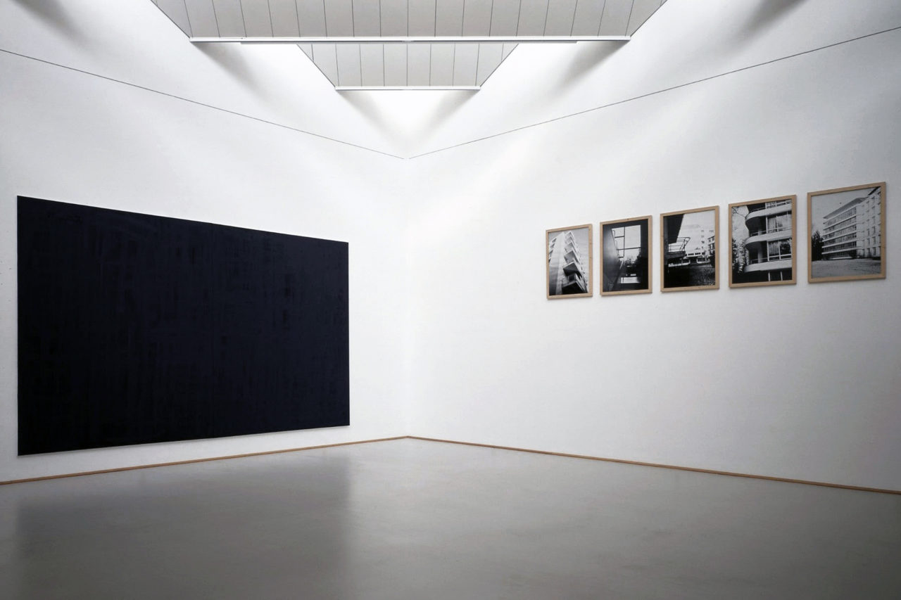 Left: Günther Förg, untitled (1998); Right: Günther Förg, Architektur II (1993)
