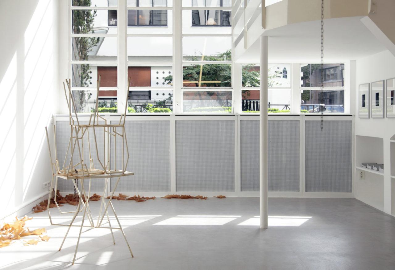 Front: Martin Boyce, Satellite (2014); Floor: Martin Boyce, Evaporated pools (2009)