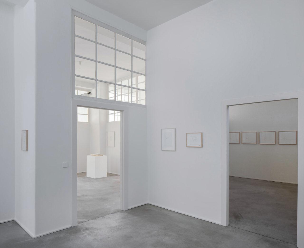 Paperwork: Papierarbeiten aus der Sammlung Haubrok (Installationsansicht)