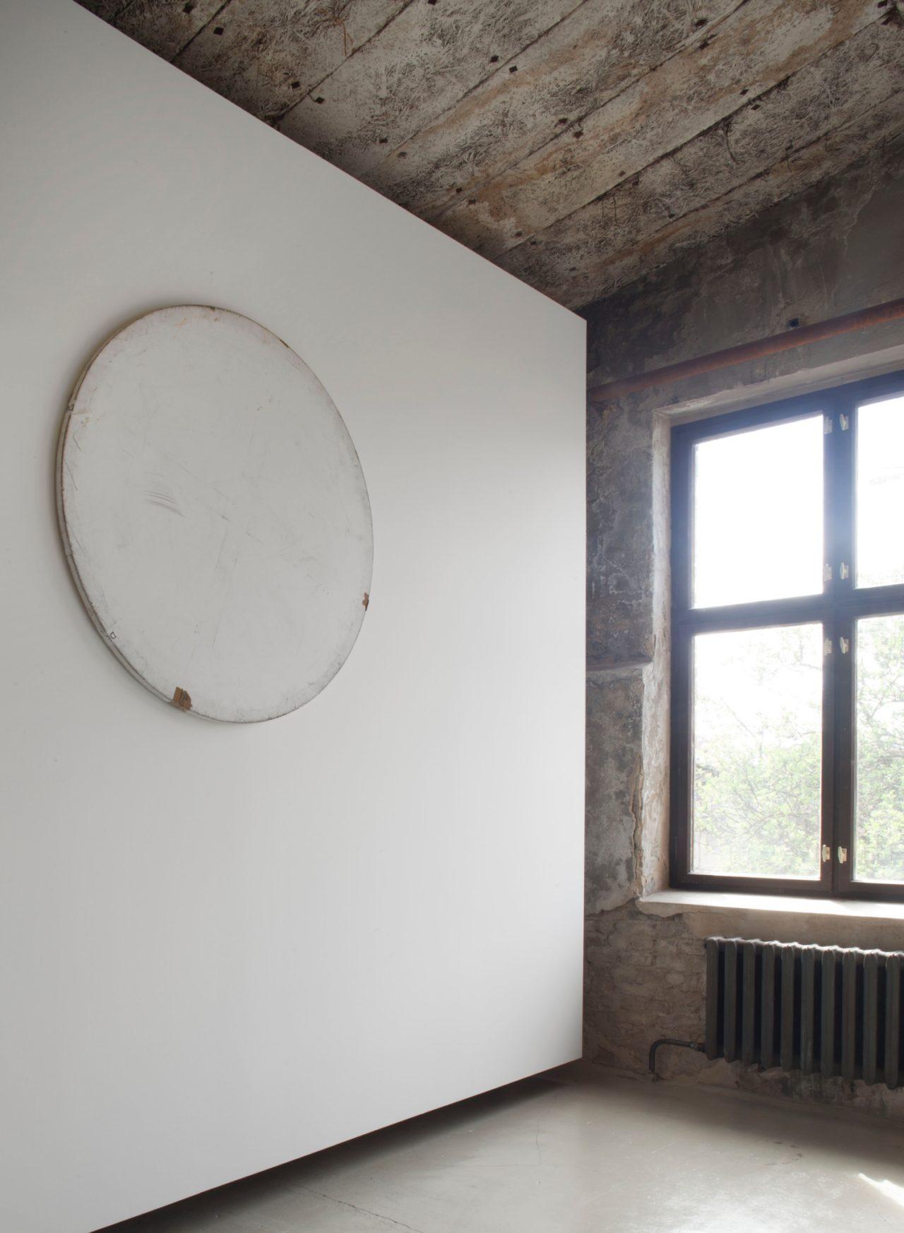 Karin Sander, Mailed Painting 109 (Bonn – Düsseldorf – Berlin – Dresden – Berlin) (2010)
