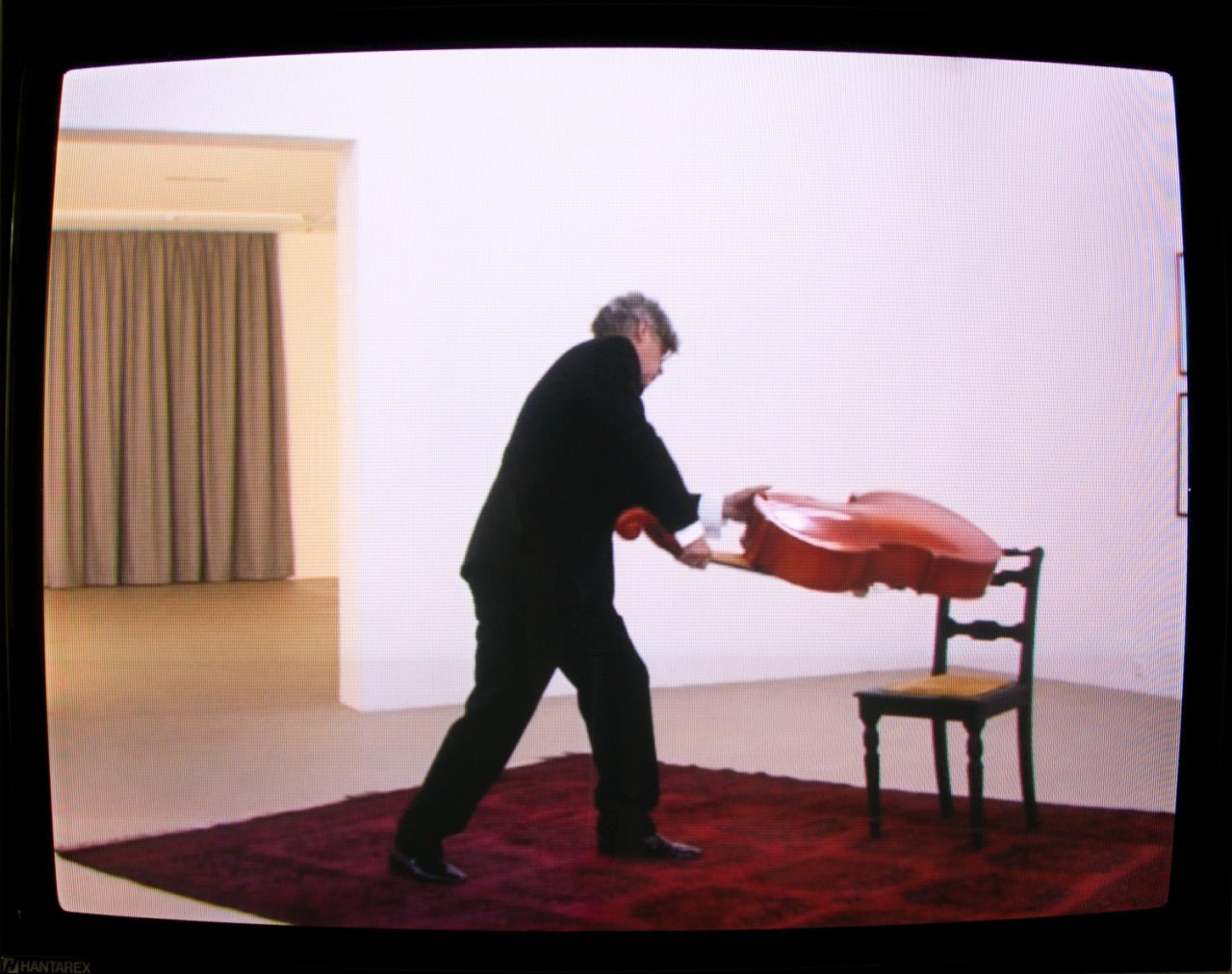 Rodney Graham, Two movements for prepared Cello (2010) (Film-Still)